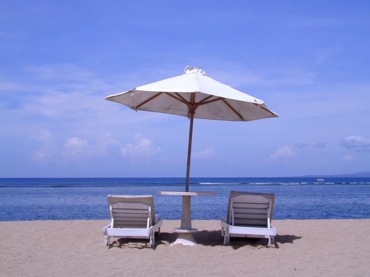 beach-umbrella-1404131